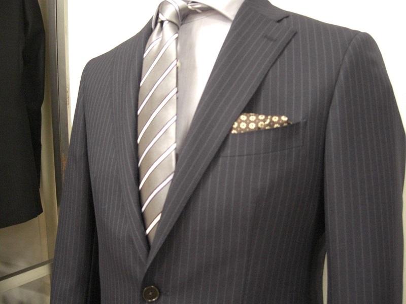 卒園式や入学式の父親の服装マナー!スーツやネクタイの色と柄は?